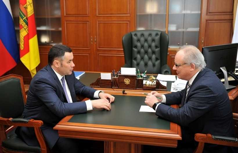 Губернатор Игорь Руденя и гендиректор компании Андрей Петров